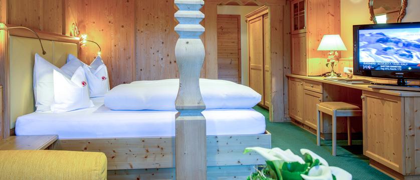 madlein-room-2-ischglerhof-ischgl-austria.jpg